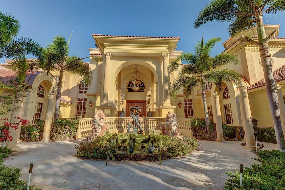 Ft_Lauderdale_Front_Entrance