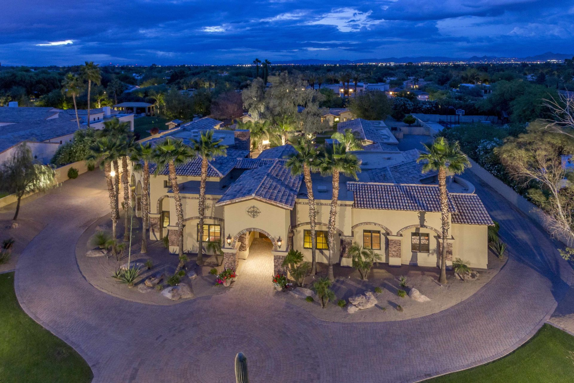 Vacation Home For Sale In Paradise Valley