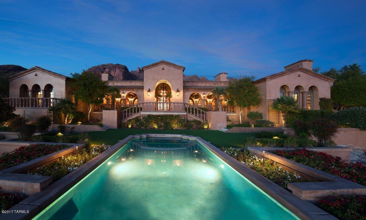 7406 N Secret Canyon Drive Tucson