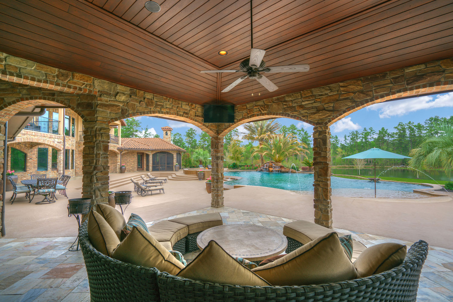 Top Tips To Buy Luxury Property With Land In Texas The